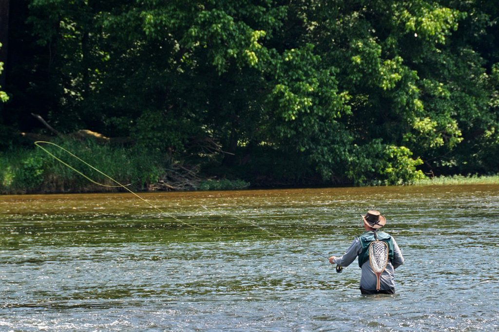 How to Choose a Fly Fishing Travel Bag